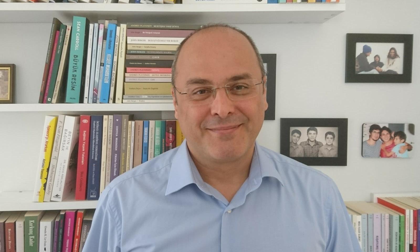 Food safety expert Bülent Şık appears in court for article series