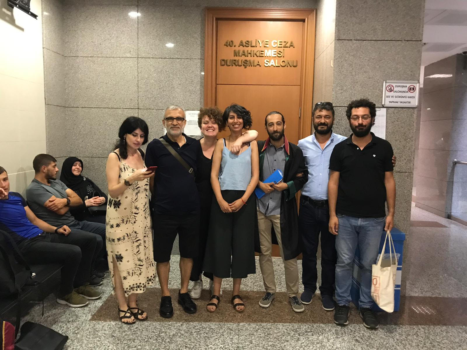 """Canan Coşkun acquitted of """"insulting the president"""""""