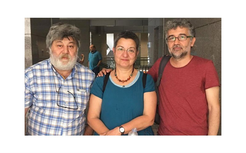 """Özgür Gündem solidarity trial"" adjourned"